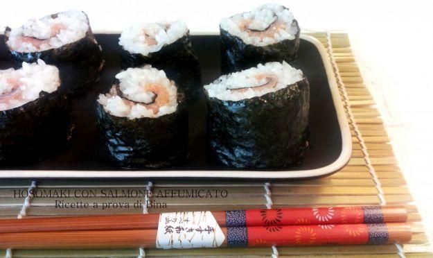 hosomaki con salmone affumicato