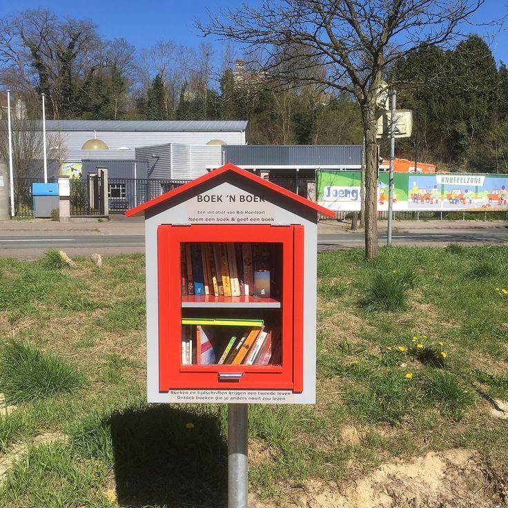 Hoeilaart - Boek 'n Boek (Boekenruilkast) - Kasteelstraat - J.B. Charlierlaan