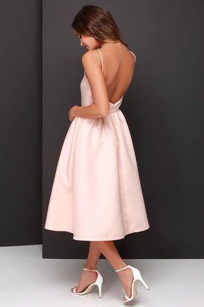 Hübsches Pfirsichkleid – Midikleid – Rückenfreies Kleid – 58,00