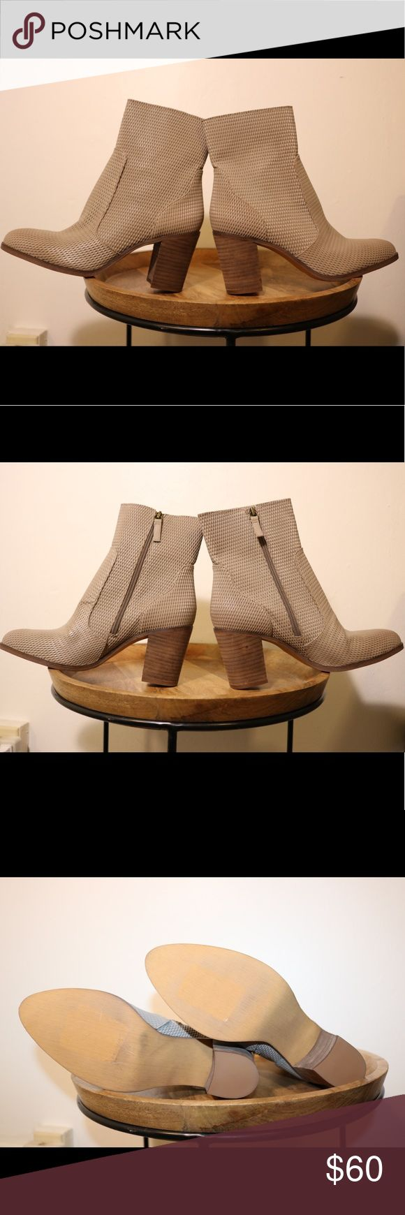 NWOT Hinge Beige/Grey Leather Ankle Boots Perfect condition. Never worn outside of the store. Please note photos were taken with a high resolution camera so things that may look like flaws are just lighting and resolution. I disclose all issues within the item description. Hinge Shoes Ankle Boots & Booties