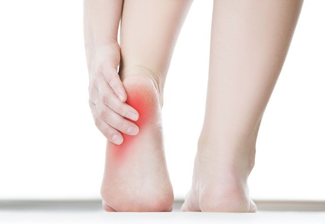 What Are The Symptoms of Heel Stiffness?