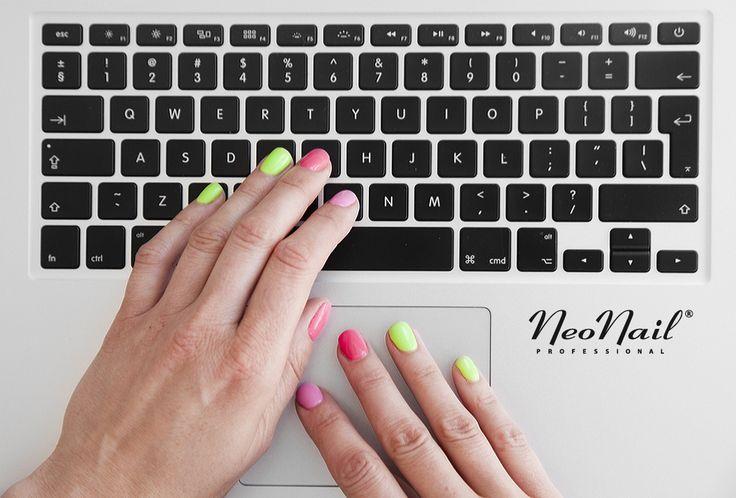 More Colors:  http://www.neonail.pl/katalog/lakiery/zele-hybrydowe-uv/