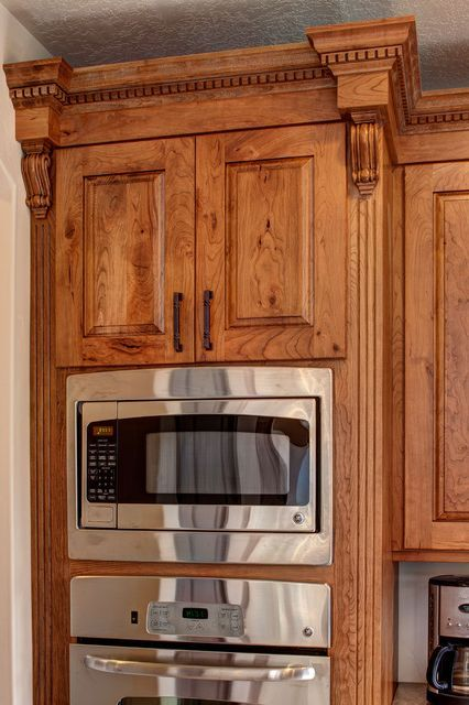 Best 25+ Rustic cherry cabinets ideas on Pinterest | Wood ...