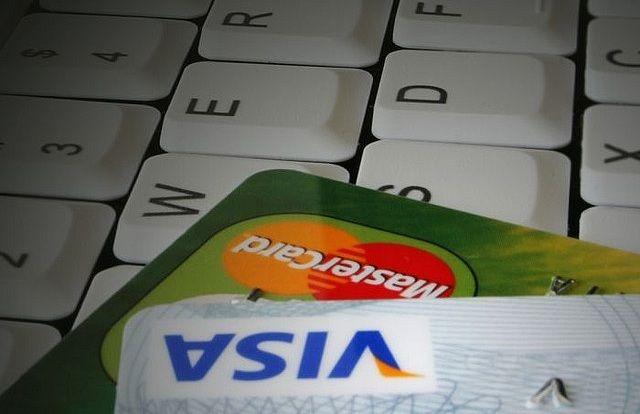 Hackers vazam números de cartões de crédito para fazer doações à caridade