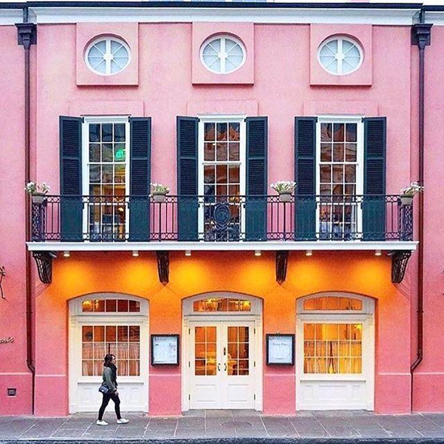How I believe all restaurant exteriors should look...💒 #brennansnola #BAlovesNOLA @british_airways