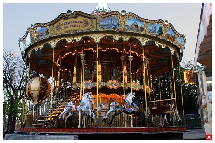 Carrousel. Paris.