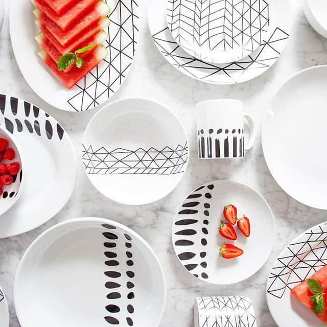 Loving the watermelon and berries on our new porcelain range❤️ www.bzyoo.com #designer #design #decor #instacool #instagood #instagram #paris #photooftheday #bzyoo #blue #white #marble #tabletop #dining #style #byronbay #taiwan #homedecor