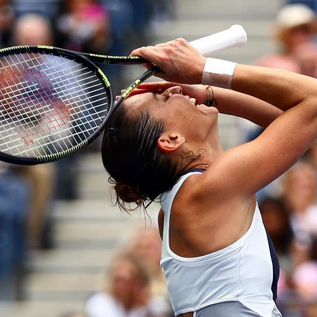 1st Grand Slam title! Flavia Pennetta wins #USOpen with 7-6(4), 6-2 victory over Vinci!