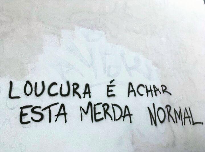 Coimbra, Portugal. Foto enviada por @mebofill #olheosmuros #coimbra #portugal #arteurbana #arte #tipografiaurbana #pixo #streetart #urbanart http://ift.tt/2pRYBgd