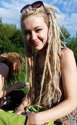 hippie long hair hippy dreads hippies Gloria dreadlocks girls with dreads…