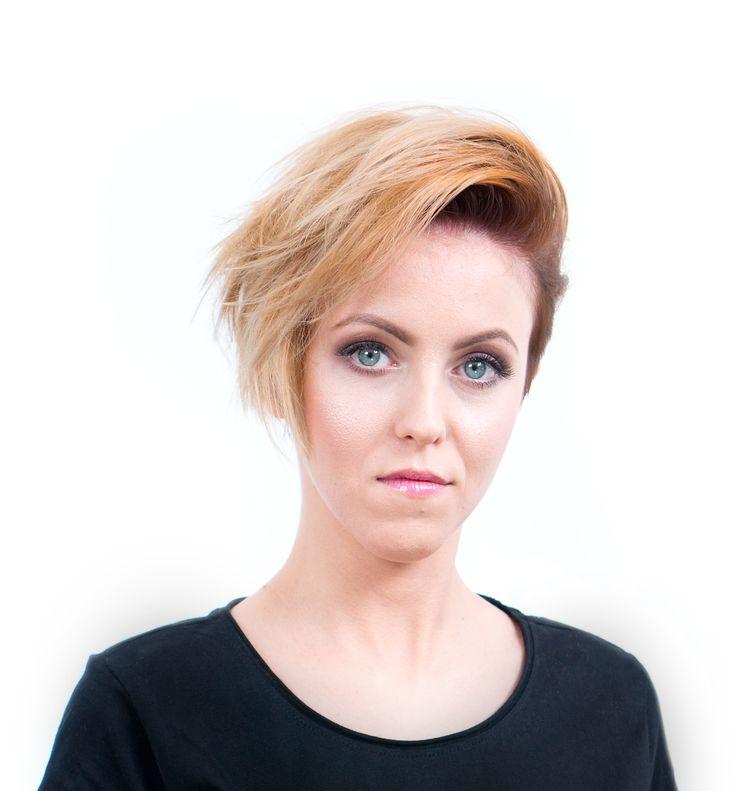 Strzyżenie w sekcji podkowy z wykorzystaniem techniki undercuting'u oraz koloryzacja dualna - Strzyżenie damskie z koloryzacją | STEP4HAIR  #włosy #moda #2016 #strzyżenie #koloryzacja #krótkie #fryzury