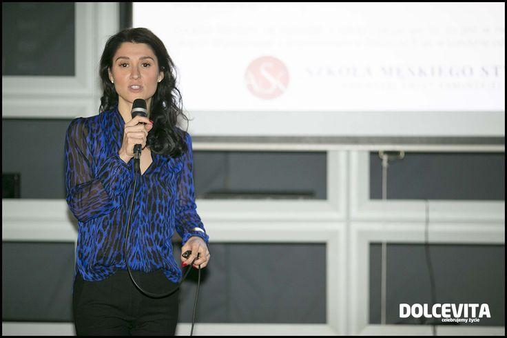 26 listopada o godz. 18:30 w Coco Cafe Club & Restaurant odbyła się pierwsza w Polsce, ekskluzywna konferencja SuccesMan, skierowana wyłącznie do mężczyzn zorientowanych na realizowanie wielkich celów oraz tych, którzy nie mają zamiaru spoczywać na dotychczasowych laurach.  Nie mogło zabraknąć założycielki Szkoły Męskiego Stylu, Agnieszki Świst-Kamińskiej. Więcej o konferencji: http://szkolameskiegostylu.pl/blog/2015/12/szkola-meskiego-stylu-na-ekskluzywnej-konferencji-succesman/