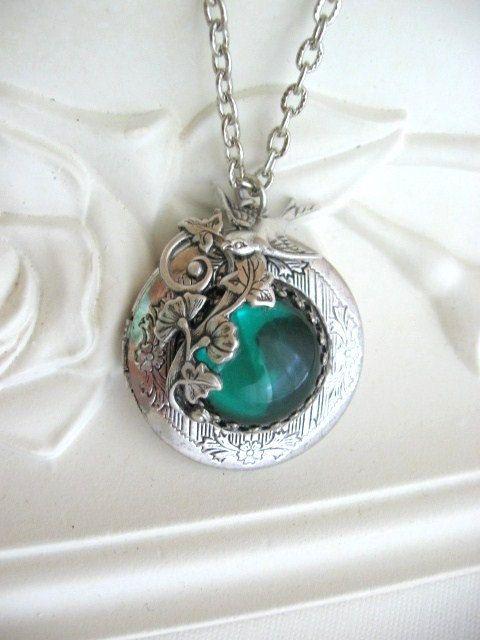 Leaf LOCKET Silver Locket Emerald Antique Locket by CharmedValley, $29.00