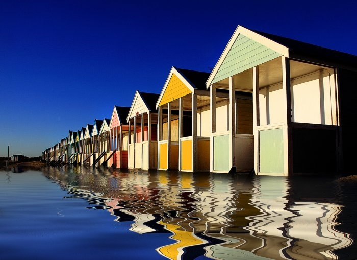 southwold beach huts: Beloved Southwold, Favourit Places, Southwold Beaches, Beautiful Places, Beach Huts, Beaches Hut, Beachi Surroundings, Amazing Places, Beaches Style