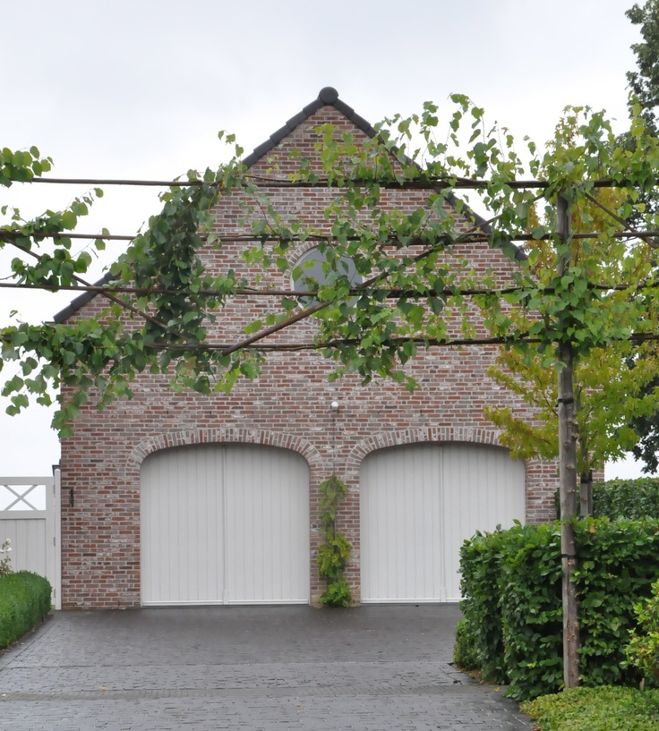 garage with espalier