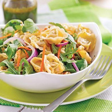 Salade de tortellinis au pesto - Soupers de semaine - Recettes 5-15 - Recettes express 5/15 - Pratico Pratique