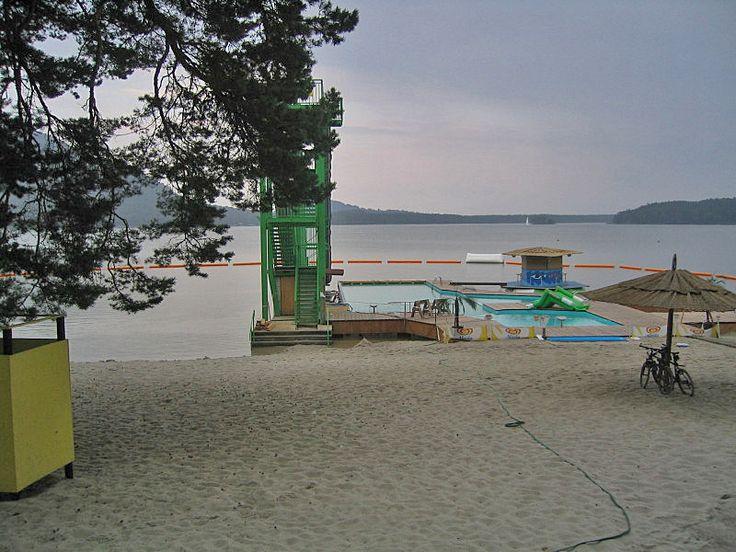 Máchovo jezero : Koupání : hlavní pláž Doksy a pláž Klůček, pláž Staré Splavy, pláž Pod Borným