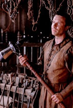 Gendry Waters & his warhammer. (7x5)