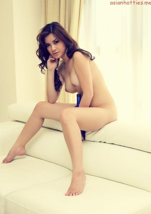 Nathalie Hayashi Nude Uncensored 03