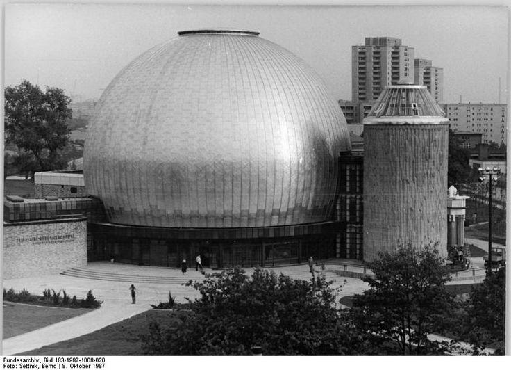 Berlin Zeiss-grossplanetarium, Ernst-Thalmann park, Oktober 1987