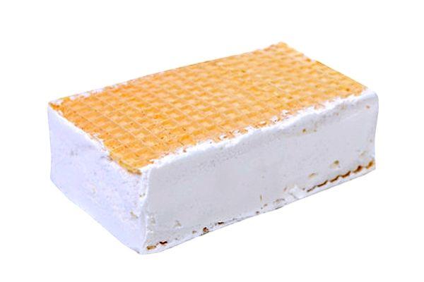 Osvěžte se v letních dnech skvělou ruskou zmrzlinou v oplatku podle receptu Ládi Hrušky.