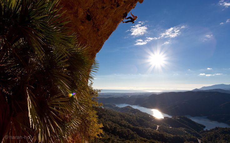 "https://flic.kr/p/dA5fxs | Climbing, Spain | Escalada en la Costa del Sol, España. Un paraíso en pleno invierno. <a href=""http://www.naran-ho.com"" rel=""nofollow"">www.naran-ho.com</a>"