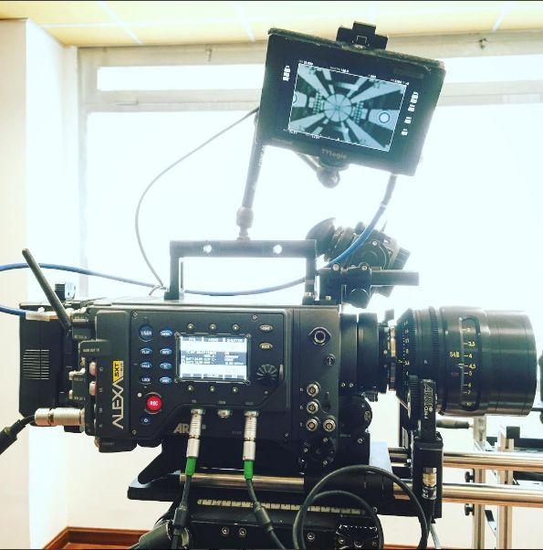 ARRI Alexa SXT Plus, Cooke S4/i T2 | Alquiler cámaras de Cine Madrid - Camaleón Rental Las nuevas cámaras ALEXA SXT (Super Extended Technology) de Arri y la actualización del módulo SXR (Super Extended Recording) representan el siguiente paso de la emocionante evolución de la familia ALEXA...