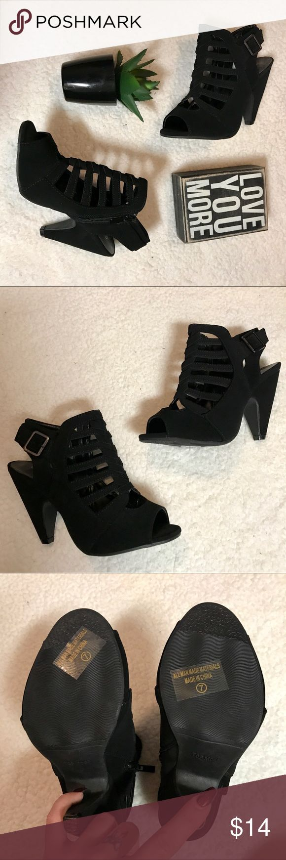 Black heels Sz 7 New without tags black heels super cute stealth short comfortable heels. Size 7 very good condition. Zippers so easy to get on and off. Perfect condition. Under STEVE MADDEN for exposure brand is TOP MODA ⚜️ Steve Madden Shoes Heels