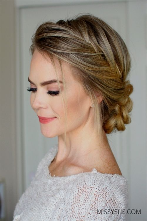 Valentine's day is next week and I think this hairstyle would be perfect for t…