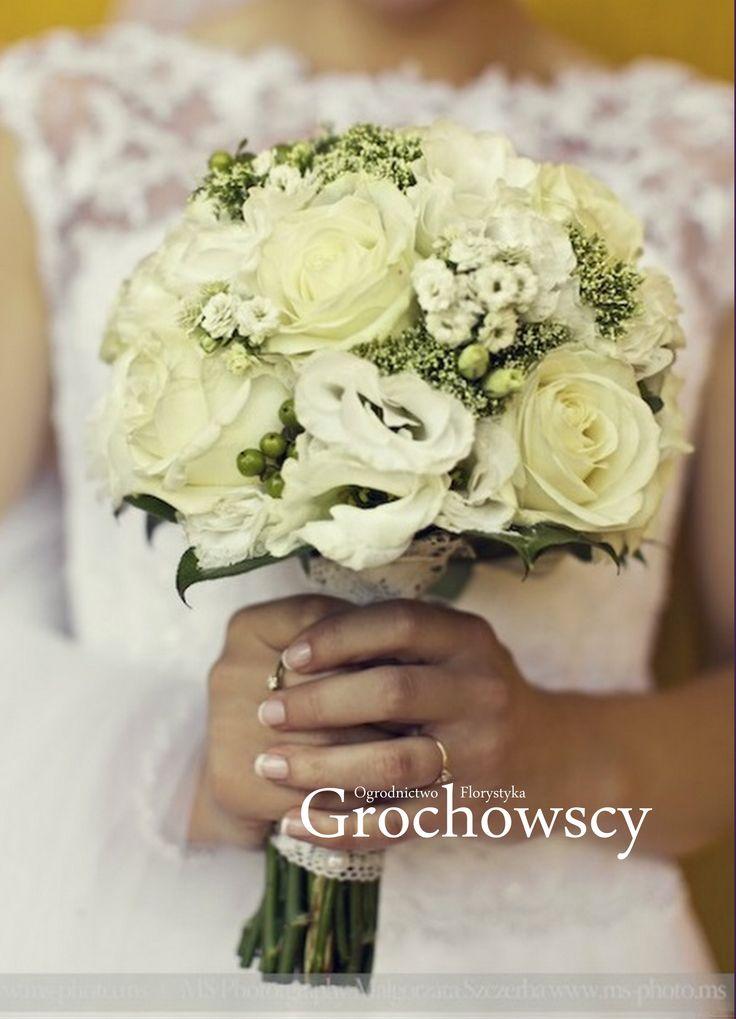 bukiet ślubny Człuchów białe róże biała eustoma biały bukiet ślubny white roses wedding bouquet