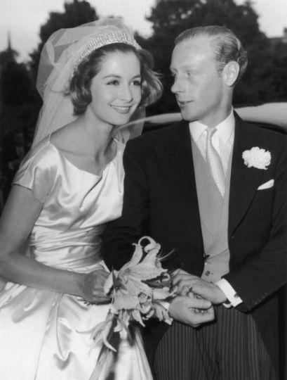 Sandra Douglas Home | 1959: Robin Douglas-Home and model Sandra Paul
