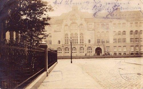 HANNOVER List  * 1911 - Damals die städtische Präparandenanstalt , heute die Ricarda Huch Schule hanover germany