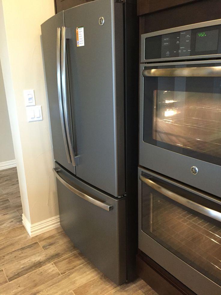 Best 25 slate appliances ideas on pinterest for Best color kitchen cabinets with black appliances