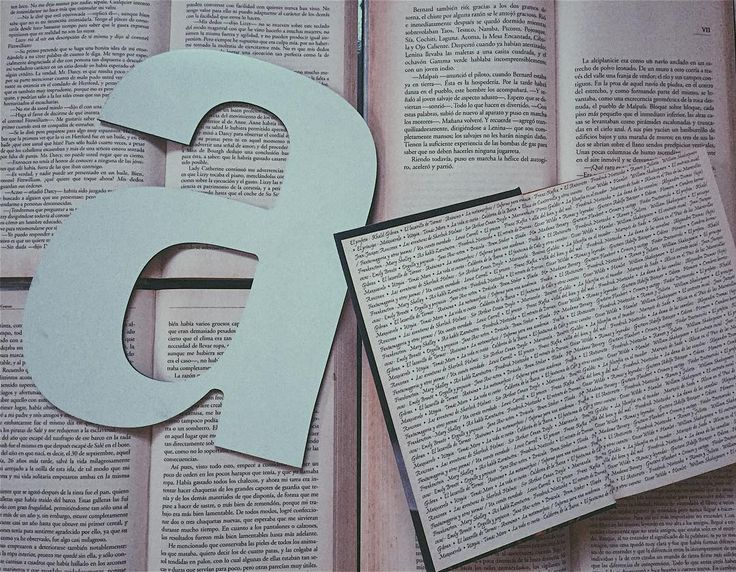 Las letras son las que me dan vida.   Puedes encontrar los links de mis últimos videos en mi bio.   #letter #books #readingandliving #quoteoftheday #booklover #bookworm #booknerd #booklife #bookkeeping #bookish #bookstagram #bookstagramfeature #bookstagramrd #bookstagramfeatures
