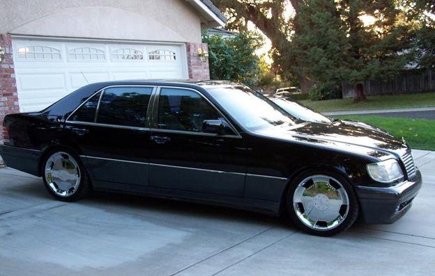 Mercedes-Benz 600 SEL 6.0-litre V12 M 120 engine (408 hp, 580 nm) - gari ya mtoto wa Rais wa Meksiko Debbie Patrocinio Abrego.