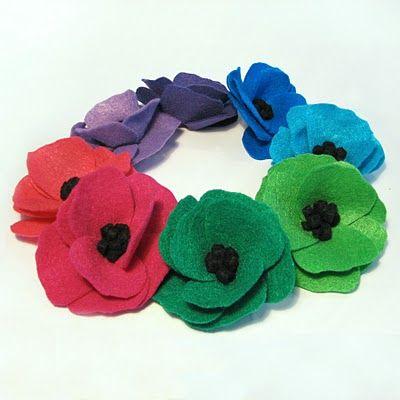 Great site for tutorial links!!Felt Flower Tutorials, Brooches, Hair Clips, Headbands, Wreaths, Felt Flowers, Poppies Flower, Crafts, Felt Poppies