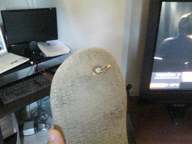 Arreglar #chanclas #Havaianas rotas con un imperdible o un alfiler (1/6 #trucos) / How to #fix flip flops and tongs with a safety pin or a pin (1/6 #tips). Más en / More at: http://trucosyastucias.com/astucias/arreglar-chanclas-havaianas-rotas