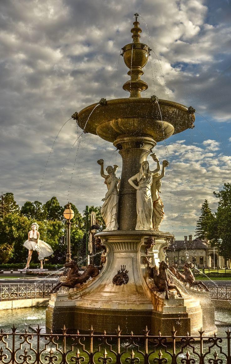RoyalAuto July16. 10 things to love about Bendigo. Alexandra Fountain. Photos: Anne Morley. #royalauto #bendigo #fountain #alexandrafountainbendigo #alexandrafountain #marilyn #marilynmonroe #marilynmonroebendigo #marilynmonroebendigoexhibition