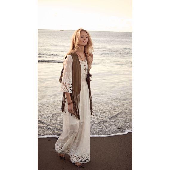 Traum in Weiß: bodenlanges Kleid, mit tropfenförmigen Ornamenten bestickt und mit Pailletten besetzt