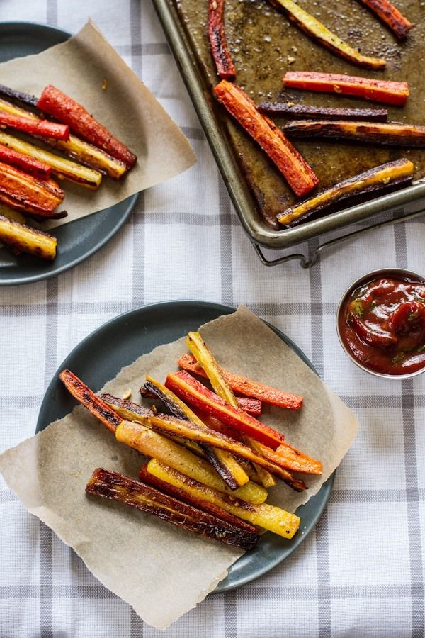 Roasted Carrot Fries with Garlic Basil Ketchup | edibleperspective.com: Carrot Fries, Side Dishes, Dinners Recipes, Basil Sauces, Ketchup Recipes, Roasted Carrots, Carrots Recipes, Carrots Fries Recipes, Garlic Basil Ketchup
