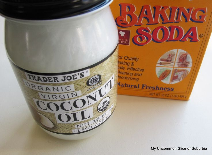 Coconut oil and baking soda scrub = soft, glowing skin!