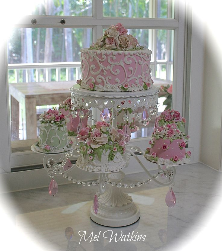Joan Cake Stand