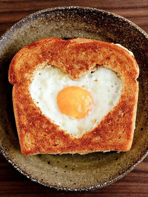 Un croque-monsieur mignon, à servir pour la Saint Valentin par exemple ! #love #toast #yummy #artfood