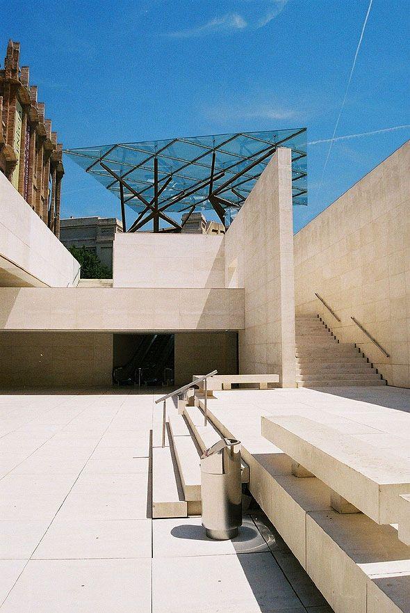 CaixaForum Barcelona, Arata Isozaki