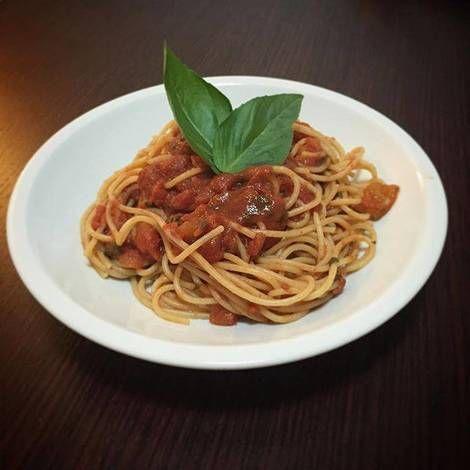 Pasta al ragú de salchicha Italiana