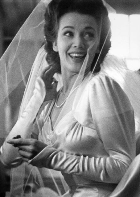 Carole Landis will always be remembered for her wartime efforts, logging over 100,000 miles during the war, she spent more time visiting with servicemen than any other American actress.: Vintage Weddings, Carole Landis, 100 000 Miles, Favorite Actresses, 1943 Wwii, Star Weddings, Wwii Bride, Chic Vintage Brides