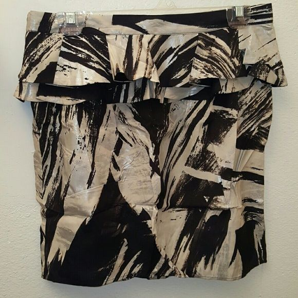 Topshop abstract peplum skirt. Size 10 Topshop abstract peplum skirt. Size 10. Brand New with tag. Super cute piece for a night out. Excellent condition. No trades. If you BUNDLE 3 items, you get 15% off! Topshop Skirts Midi