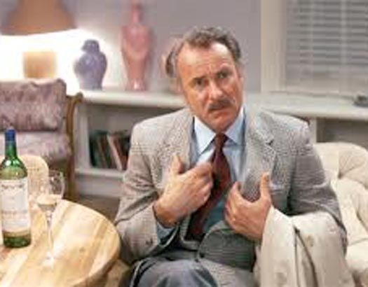 Dabney Coleman as Ron Carlisle in Tootsie (1982)