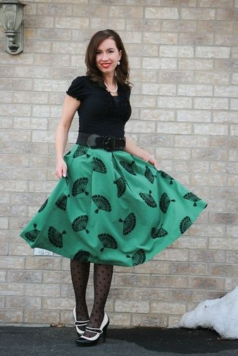 Lindsey, of @haveclothes, styles and travels, this time in glamorous green!