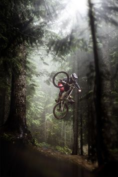 ♂ Outdoor adventure mountain bike #jump #forest #biker http://roberitatesac.wix.com/roberita-tesac